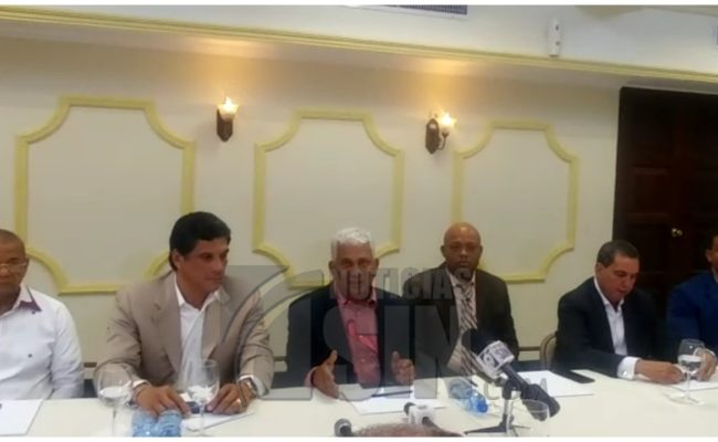 Fenatrado suspende paro tras acuerdo con el gobierno; crean comisión