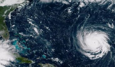 Congreso de EE.UU. suspende su actividad ante la llegada del huracán