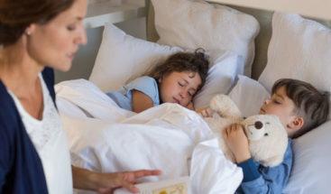 Irritabilidad y orinarse en la cama son síntomas de niños maltratados