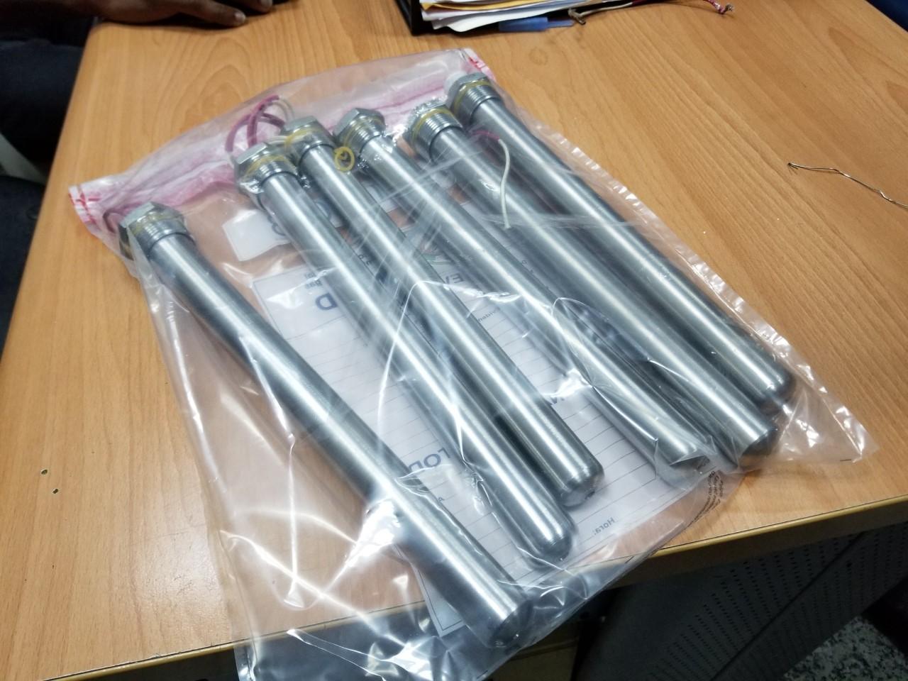 DNCD ocupa siete láminas y varios tubos rellenos de cocaína