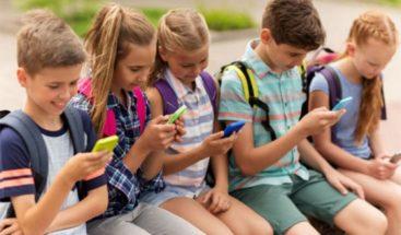 Mayoría de los países carece de leyes sobre uso de celulares en colegios