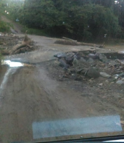 Comunidades de Monte Plata piden arreglo de puente y caminos vecinales
