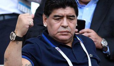 Vecinos de Maradona en México bloquean su mudanza