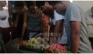 Exigen justicia familiares joven asesinado por multitud durante asalto