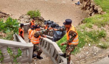 Aún retiran toneladas de basura en el Malecón por cuarto día consecutivo