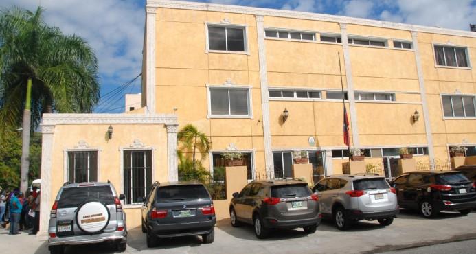 Gobierno haitiano llama  consulta personal diplomático de su embajada RD