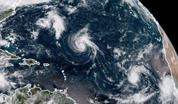 Florence sube a categoría 4 mientras se aproxima a costa sureste de EEUU