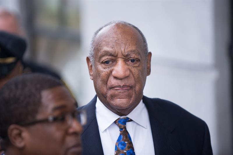 Bill Cosby llega a un tribunal de EEUU para oír lectura de su sentencia