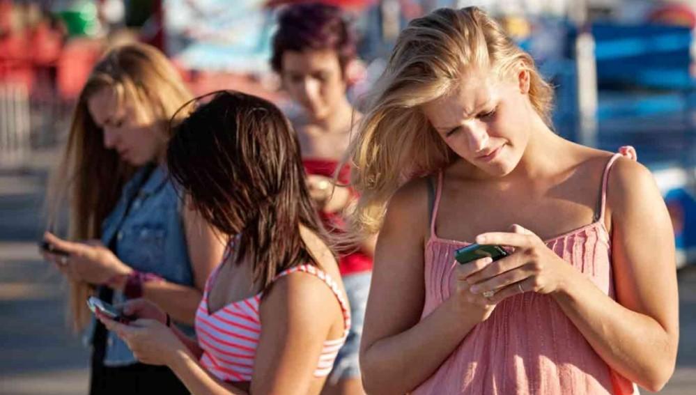 Cómo usar tu móvil sin arruinar tu salud