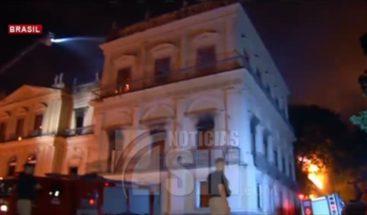 Brasil: Se queman más de 200 años de historia en Museo Nacional