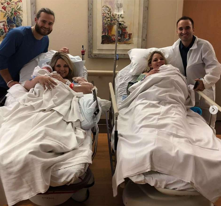 Hermanas gemelas idénticas dan a luz el mismo día en el mismo hospital