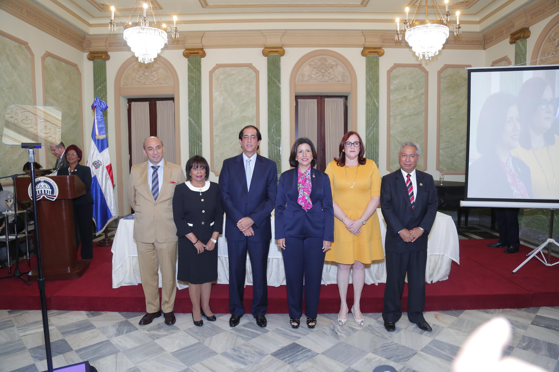 Firman Carta Compromiso sobre igualdad de género en Sector Público
