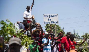 Cientos de haitianos vuelven a protestar contra la corrupción