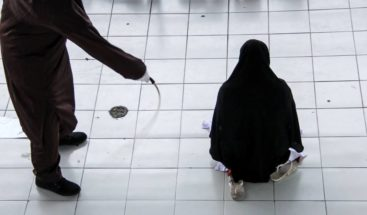 Azotadas dos lesbianas en Malasia por violar leyes islámicas