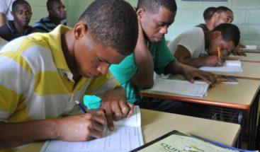 El 6.8% de población RD es analfabeta, según Quisqueya Aprende Contigo
