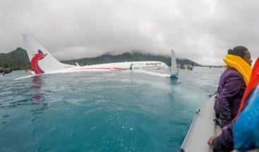 Avión se salta la pista y cae en una laguna de Micronesia sin víctimas