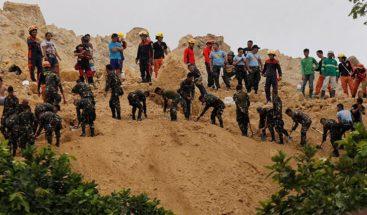 Al menos 6 muertos en otra avalancha de tierra en Filipinas