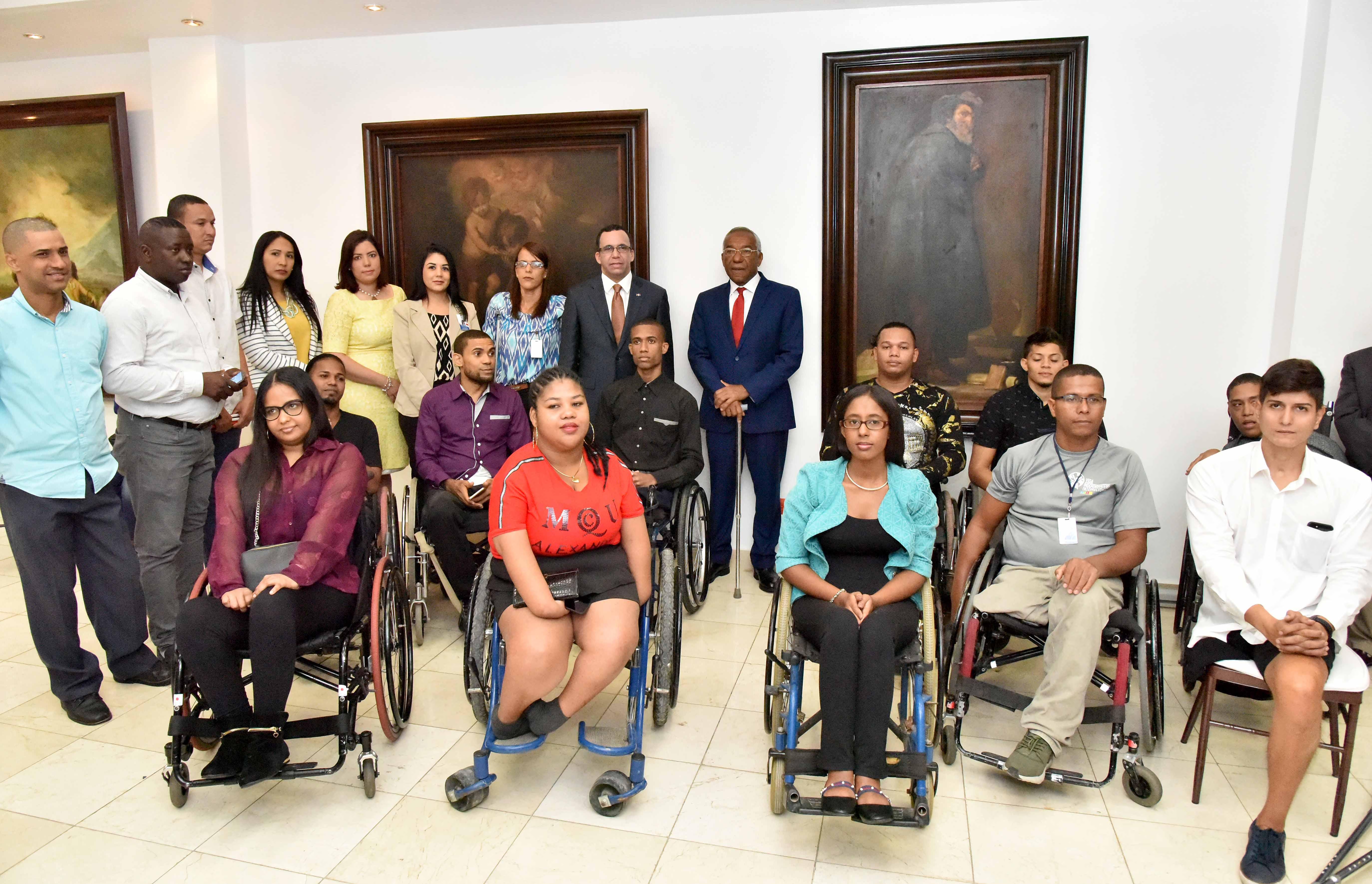 Minerd contratará a personas con discapacidad tras acuerdo con Conadis