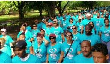 Decenas de personas participan en caminata por Día Mundial del Corazón