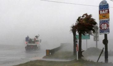 Florence toca tierra en costa sureste de EEUU como huracán categoría 1