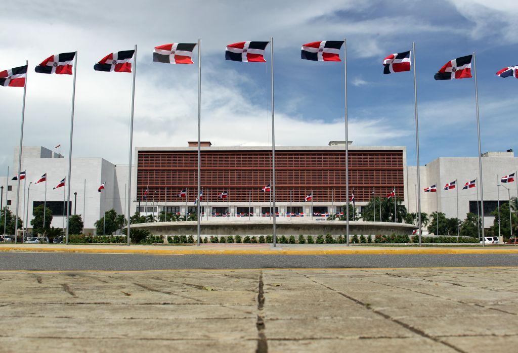 Diputados PRM piden investigar revelación de El Informe con AO
