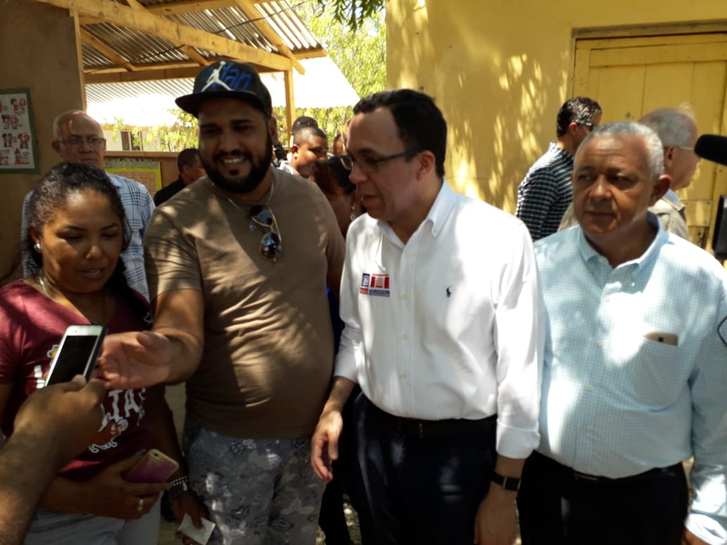 Educación intervendrá centros dañados por temblor en Montecristi