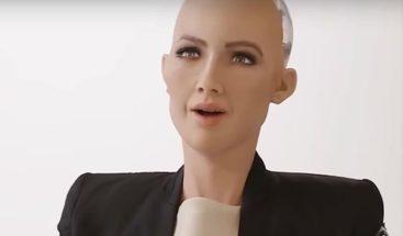 Robot Sophia vence el escepticismo y brinda su faceta más humana
