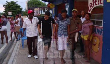 Joven resulta herido por atracadores