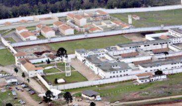 Cerca de 30 presos escapan de una cárcel en Brasil y causan caos en vías