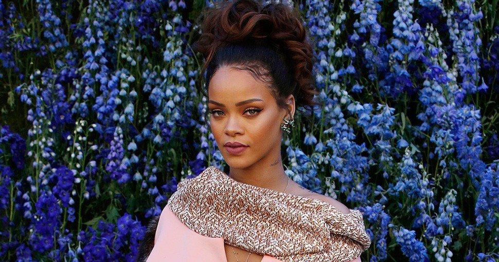Rihanna cierra pasarela con lencería para mujeres de todo tipo