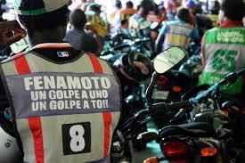 José Ramón Peralta, PN y motoconchistas tratan tema alza de combustibles