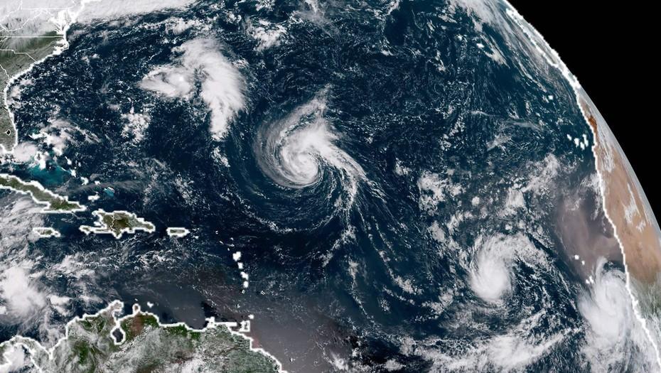 Huracán Florence alcanzará hoy de nuevo categoría 3 rumbo a EEUU