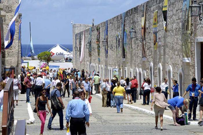 Cuba descarta su objetivo de 5 millones turistas este año