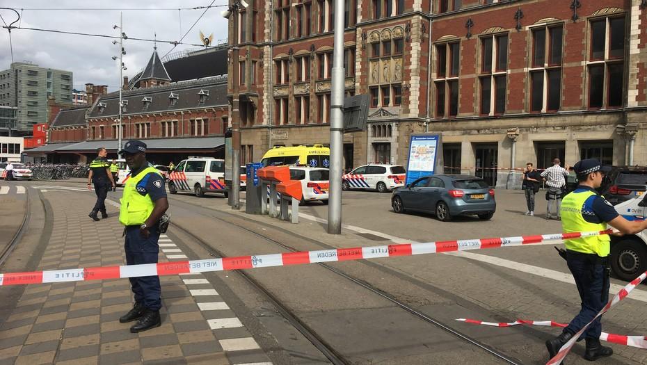 Autor apuñalamiento en estación tren Holanda tenía