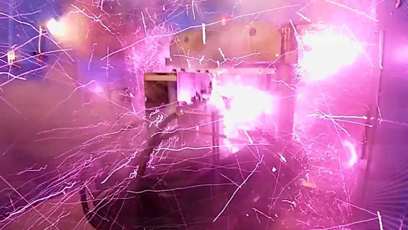 Crean imán potente y causa explosión que vuela puertas del laboratorio