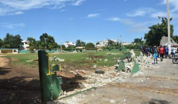 ASDE condena destrucción ilegal de play en sector Reparto Los Tres Ojos