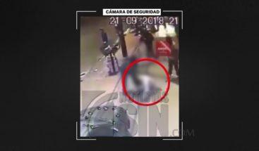 Hombre fue lanzado a la calle para que autobús lo atropelle en Argentina