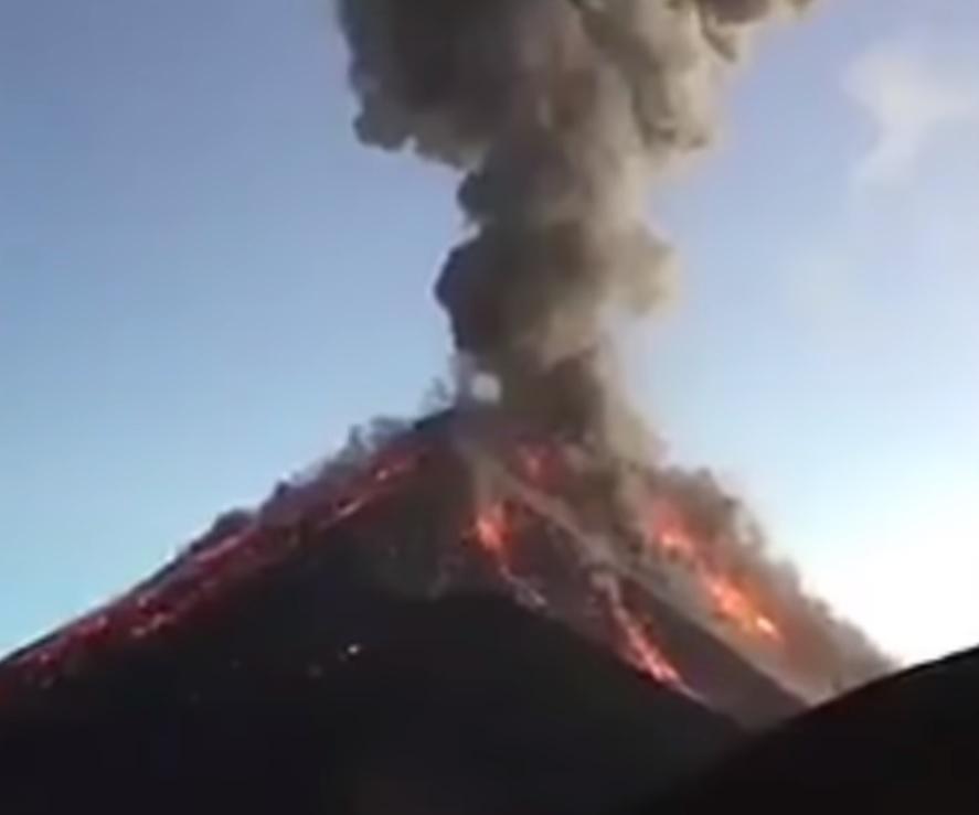 Volcán de Fuego de Guatemala registra 9 explosiones en las últimas horas