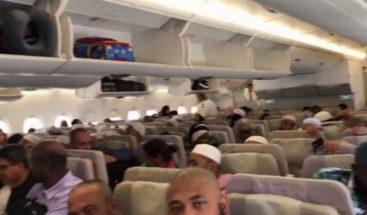 En cuarentena, más de 100 pasajeros al llegar a aeropuerto en NY