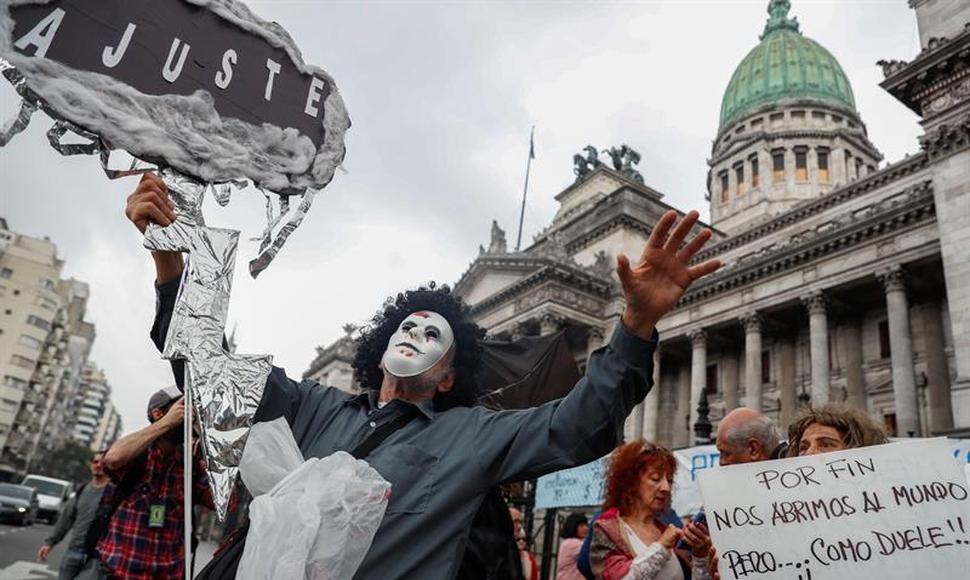 Sindicatos inician en Argentina paro contra