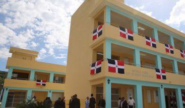 Continúan manifestaciones en demanda de docentes en Moca