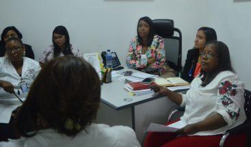 Hospital se reúne con comité para activar plan de contingencia por Isaac