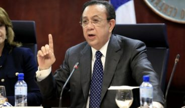 Presidente Medina confirma a Valdez Albizugobernador del Banco Central