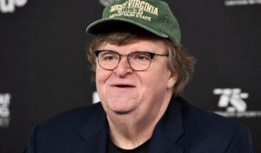 Michael Moore presenta documental en que compara a Trump con Hitler