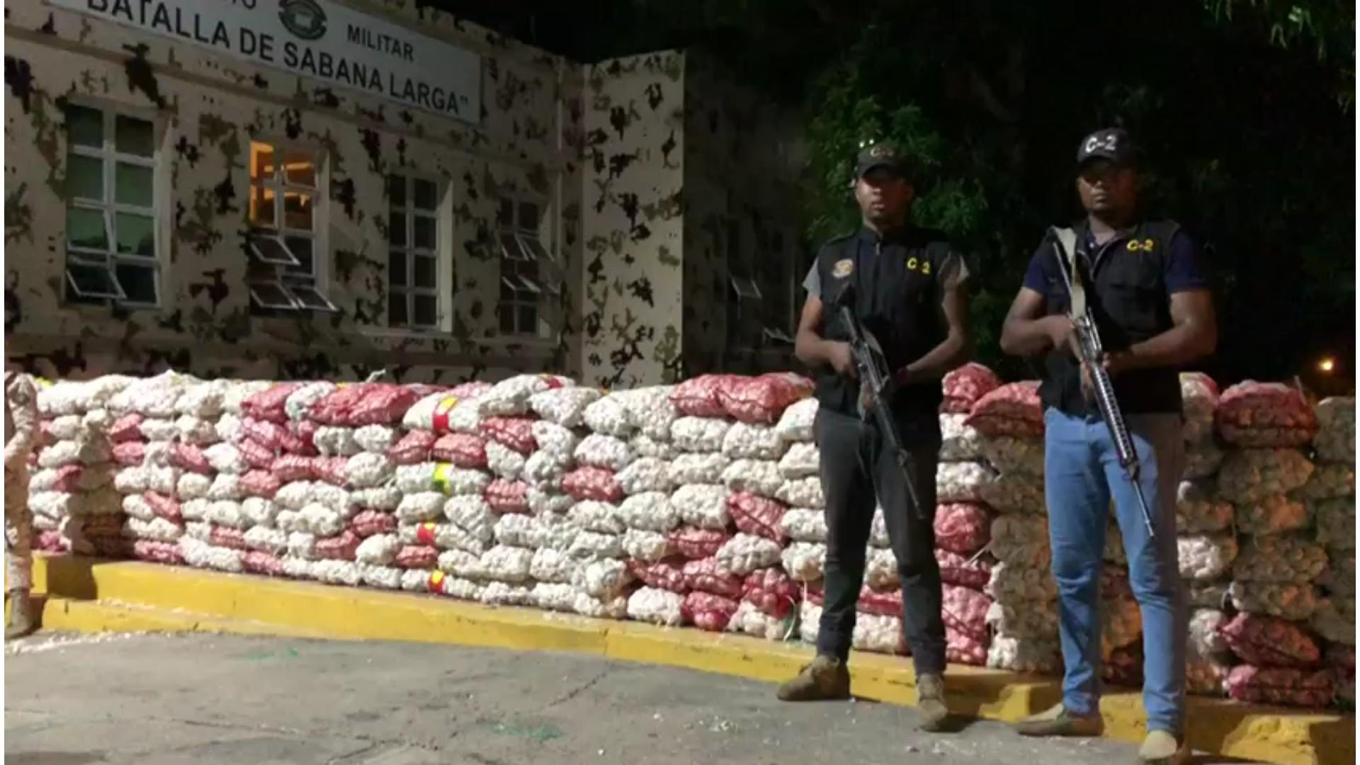 Cesfront incauta 5,082 libras de ajo en Manzanillo