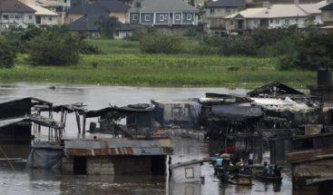Casi 200 muertos y 800.000 afectados por las inundaciones en Nigeria