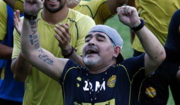 Maradona inicia mañana su camino para salvar al 'Gran Pez'