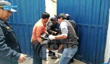 Sube a 23 la cifra de muertos en accidente de autobús en Perú