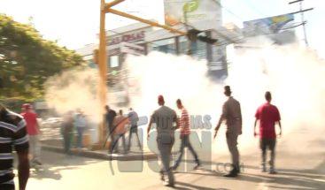 Al menos nueve heridos en protesta por alza de combustibles en Santiago