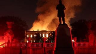 Museo que se quemó en Brasil no tenía seguro ni brigada de bomberos